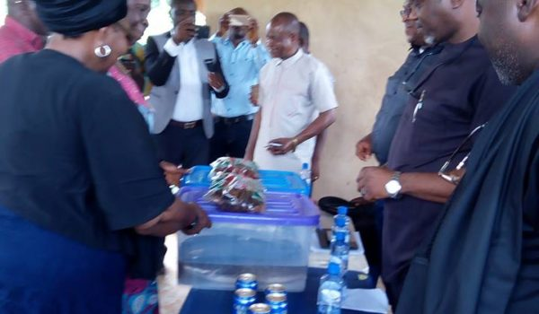 ANAMBRA STATE GOVERNMENT COMMENDS HON CHARLES EZEANI FOR ANAOCHA 2 MULTIPURPOSE FISH FARM SUCCESS STORY.